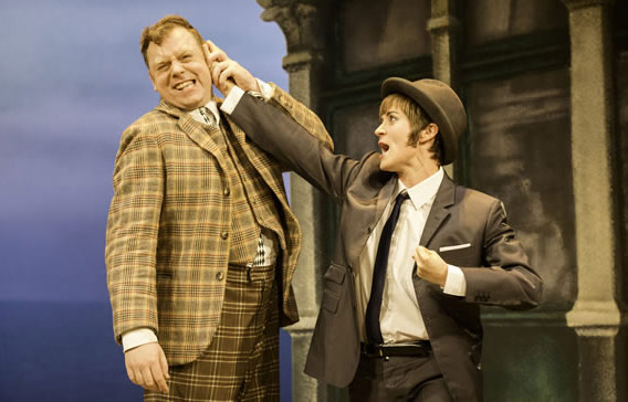 Rufus Hound – One Man, Two Guvnors, Curve Theatre Leicester - Lizz Brain